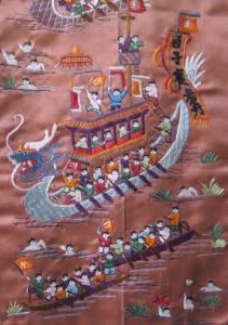 Embroidery work to show the festivities of the Duanwu