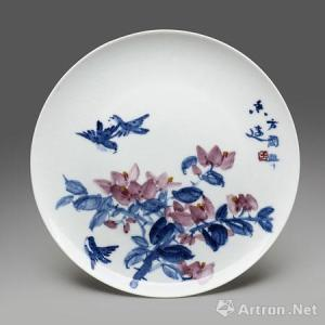 Fāng Guóxìng (方國興): Long-lasting fragrance on golden red color blue and white plate (青花金紅彩盤--香遠) diameter:36cm Bibliography :